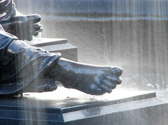 Two feet of water (Mr Grimesdale) Tags: feet water fountain statue liverpool splash 2008 merseyside capitalofculture mrgrimsdale stevewallace capitalofculture2008 liverpoolcapitalofculture2008 dsch2 europeancapitalofculture2008 photofaceoffwinner liverpoolcapitalofculture pfogold mrgrimesdale grimesdale
