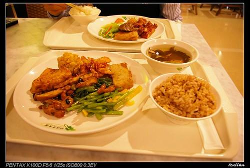 IMGP6381_菜色不錯的自助餐