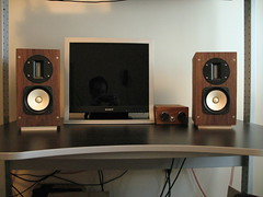 Audio system (drosen7900) Tags: diy bookshelf monitor audio speakers fostex