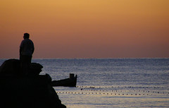 Il mare all'alba (Calibano69) Tags: sea summer italy sunrise boats fishing nikon barca mare alba porto coolpix sicily palermo sicilia s10 mondello aplusphoto mieiocchi lacasadeiflickerianidipalermoedintorni