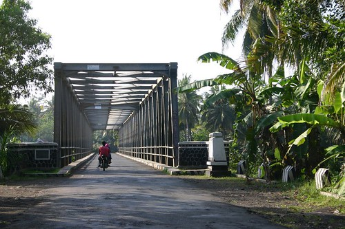 The Dutch built most of the bridges on Java during the colonial period