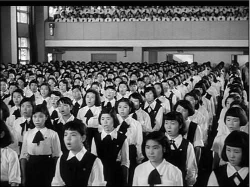 l girls singing.jpg