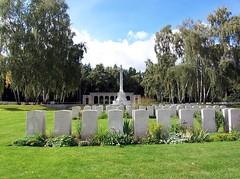05056 Berlin War Cemetery (golli43) Tags: berlin cemetery germany soldiers westend charlottenburg wargraves secondworldwar britishsoldiers heerstrasse alliedsoldiers