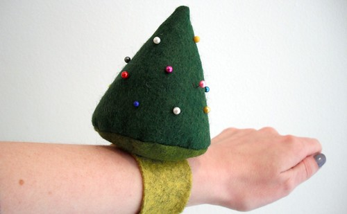 Christmas Tree Pin Cushion