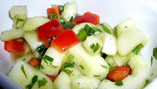 (deli) cucumber salad