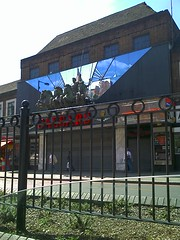 Caesars Night Club, Streatham (Souf Sida) Tags: city uk england urban london roads southlondon lambeth 2007 londonstreets southwestlondon roadsinlondon