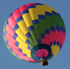2007_0702_182740AA1 (Cindy シンデイー) Tags: hot catchycolors air balloon abigfave