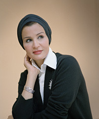 صورة للشيخة موزة بنت ناصر المسند (تناهيد ليل) Tags: