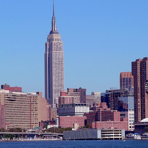 9 - Empire State Building in New York City, 381 m