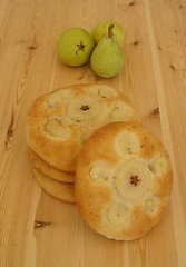 Schiacciata with Pears and Tonquin