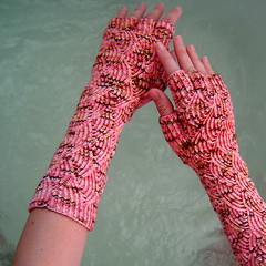 Mermaid Gloves (knittinglemonade) Tags: knit cherryblossom sundara pomatomus mermaidgloves