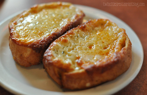 Garlic Cheese Bread at Jakeeno's Pizza ~ Minneapolis, MN