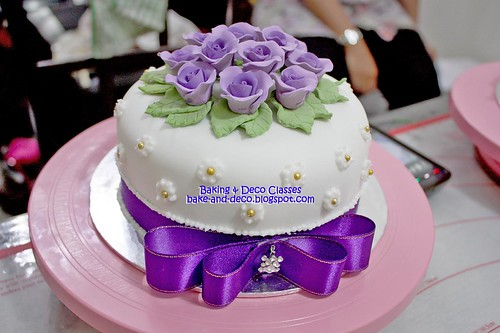 Batch 24 Oct 2010: Basic Fondant Wedding Cake