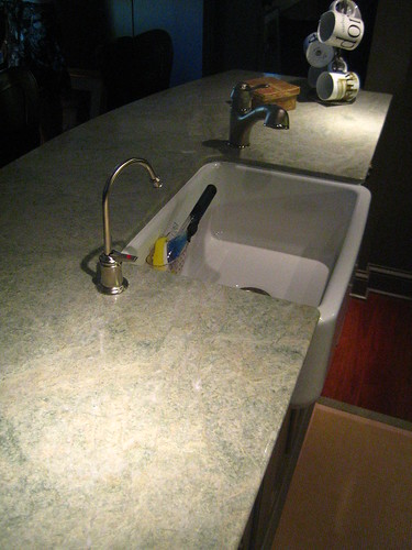 Differences in Cast Acrylic & Porcelain Sinks | Hunker