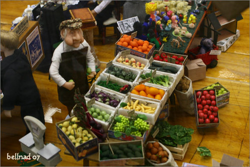 Miniatures: fruits stall