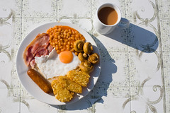 sad news (lomokev) Tags: light food breakfast canon mushrooms eos bacon beans bright egg sausage sunny 5d carrots friedegg hashbrowns fryup fullenglish breaky canoneos5d friedbread carrotscafe file:name=img1214 fullfuckingenglish
