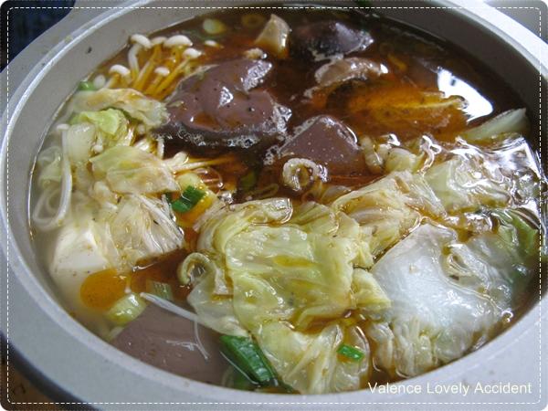 東東傳統麵食_鴨血煲01