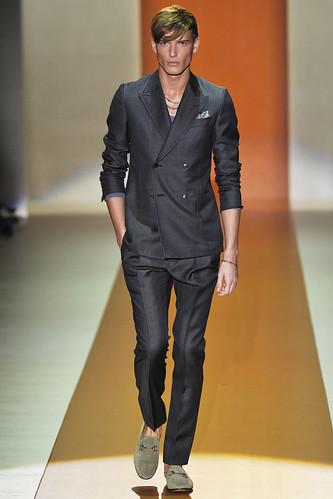 SS11_Milan_Gucci0001_Nikola Jovanovic(VOGUEcom)
