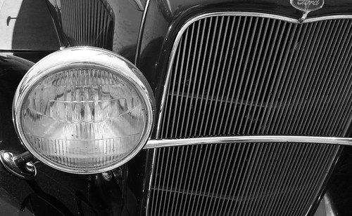 Ford grill & headlight