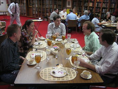 WAAA2007 participants discuss and reflect at the closing lunch.