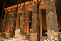 Luxor Casino & Hotel Interior Las Vegas Nevada (Jersey JJ) Tags: vegas hotel nikon pyramid d70 lasvegas interior tourist casino egyptian nikkor luxor attraction mustsee