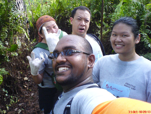 Genting Trailblazer 2010 - Suanie, Gordon, Joyce, Alex in the jungle