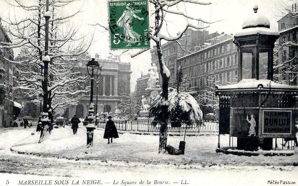 neige square de la Bourse à Marseille le 13 janvier 1914