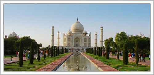 First Look at the Taj Mahal por ~faiz.