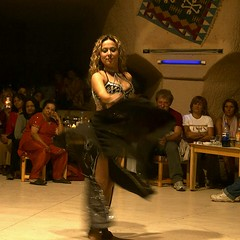 Belly Dance, Cappadocia, Turkey (hk_traveller) Tags: trip travel vacation 20d canon turkey photo dance asia flickr canon20d trkiye explore belly turbo cappadocia 2007  top500