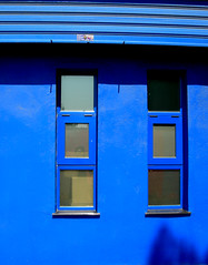 Blau (Yoajenjo) Tags: blue color valencia azul persiana ventanas blau quartdepoblet aplusphoto top20blue superhearts ysplix