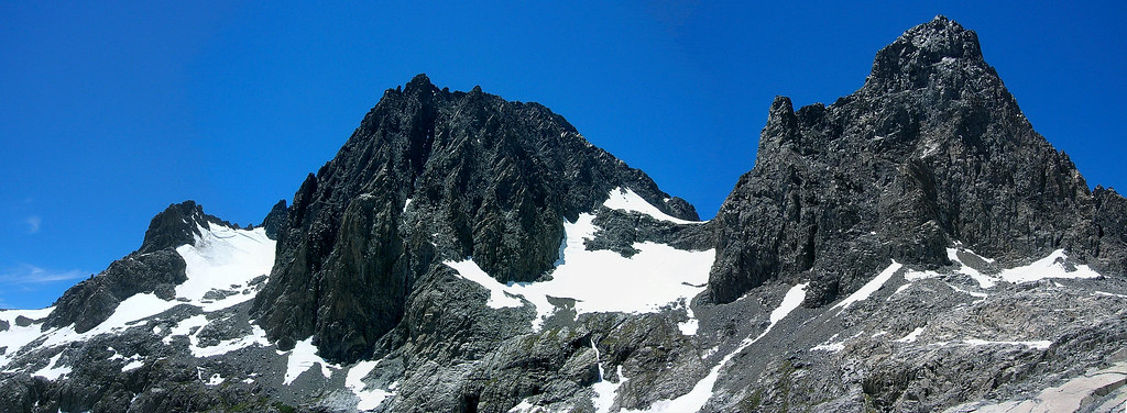 Banner Peak is on the right