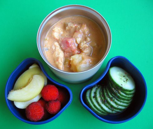 Strawberry tree fruit & curry lunches
