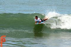 CIRCUITO CRISTAL GRAFFITI (Fabrícia) Tags: praia beach mar campeonato bodyboard onda surfista magrinho leonardocosta
