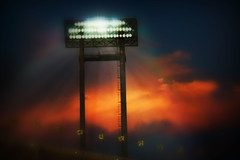 Shine ! (kktp_) Tags: lighting sky nikon stadium 70200mmf28gvr blueribbonwinner d80 abigfave flickrplatinum isawyoufirst infinestyle goldenphotographer