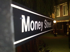 link to a photo of a road sign saying 'Money Street'