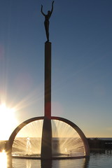Spirit of Napier Statue (Eyersh) Tags: fountain sunrise napier hawkesbay canong10