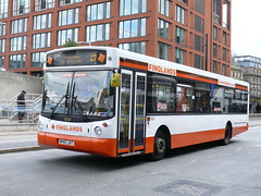 Finglands 1707 100924 Manchester (maljoe) Tags: eastyorkshire finglands eyms eastyorkshiremotorservices