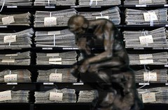 Clear thinking (hira3) Tags: newspaper library text improvisation thinking situation rodin thethinker discours academism