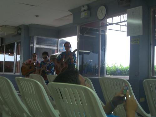 Guitar Plays