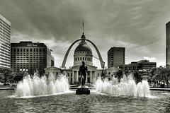 Kiener Plaza, St. Louis by Vesuviano - Nicola De Pisapia