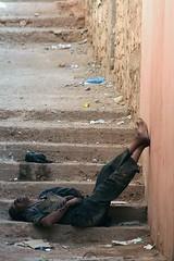 Scala sociale - Social scale (matteo_dudek) Tags: poverty sleeping scale stairs homeless morocco marocco viaggi povert tinerhir dormendo challengeyouwinner photofaceoffwinner photofaceoffgold nginationalgeographicbyitalianpeople pfogold a3bconstructive mcb1601 lpstairs
