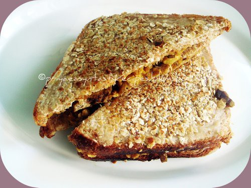 Oats Crusted Raw Banana Podimas Stuffed Bread Toast