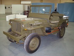 M0027-Museum of Museums-8-9-10 (day 192) Tags: manchester jeep military transportmuseum traffordpark trafordcentre classictransport preservedmilitary museumofmuseums