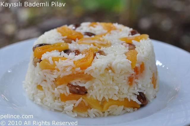 Kayısılı Bademli Pilav