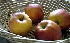pommes (1) (:: L a m b d a y ::) Tags: apple pommes pomme naturemorte