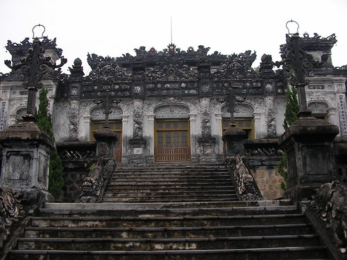 Tu Duc Mausoleum entrance