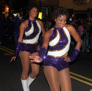 7dancing-drum-majorettes