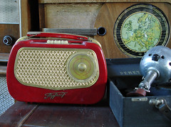 Radio Radio - by @rild