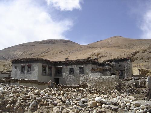 Casas tibetanas en las rutas