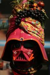 IMG_5382.JPG (mhuang) Tags: art starwars helmet darthvader comiccon comiccon2007 sandiegocomiccon2007 sdcc2007